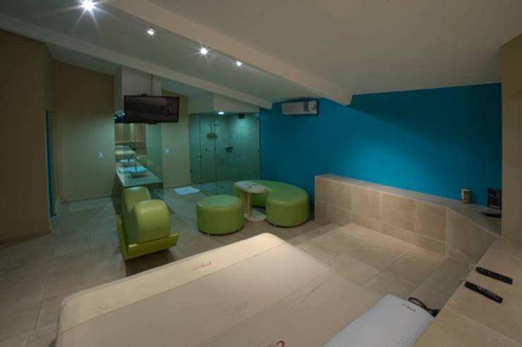 Hotel C5C: Salas de estilo  por DIN Interiorismo