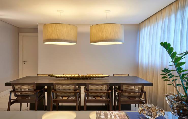 Dining room by Juliana Goulart Arquitetura e Design de Interiores, Modern