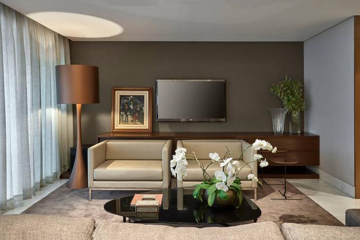 Media room by Juliana Goulart Arquitetura e Design de Interiores, Modern