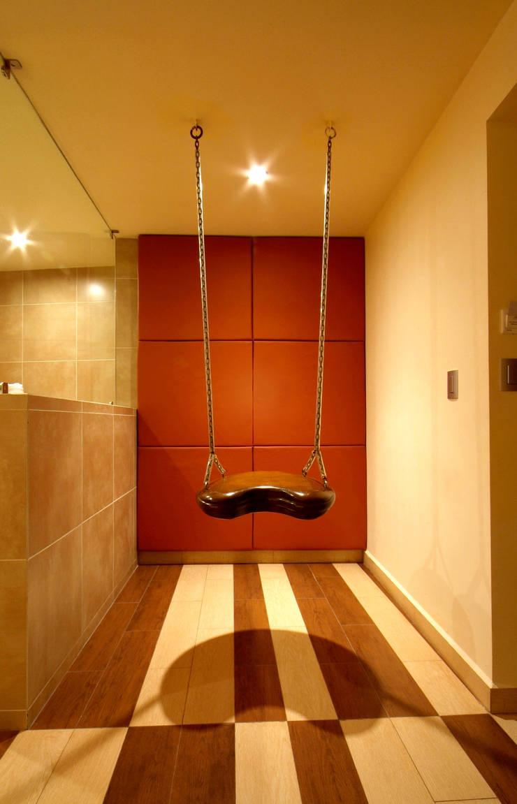 Hotel Cuore: Recámaras de estilo  por DIN Interiorismo