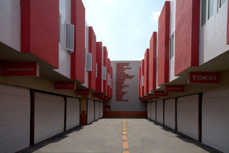 Hotel Metrópolis : Garajes de estilo  por DIN Interiorismo