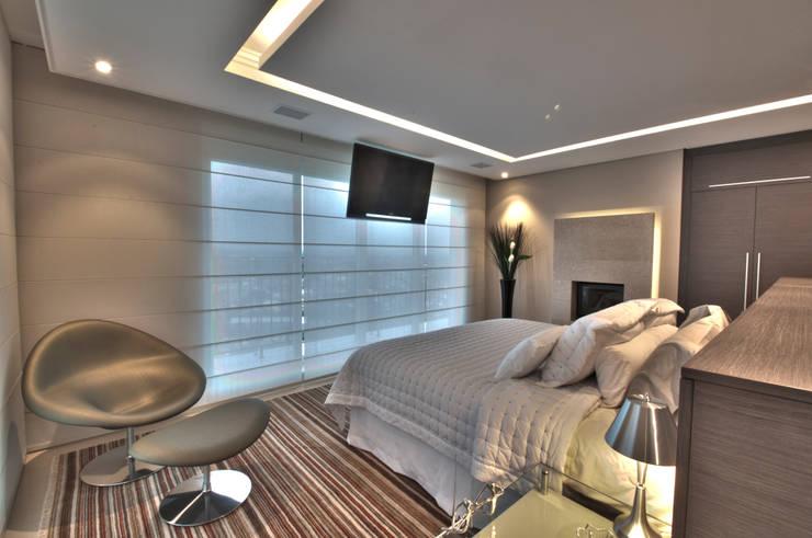 Dormitorios de estilo moderno por Pauline Kubiak Arquitetura