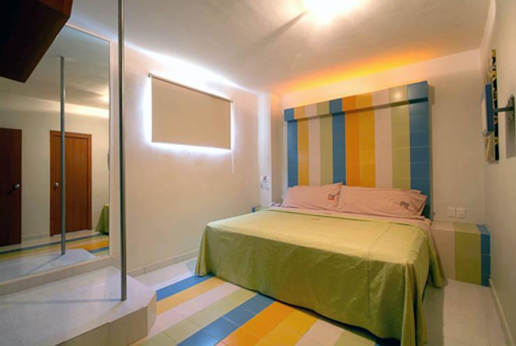 Hotel VC: Recámaras de estilo  por DIN Interiorismo