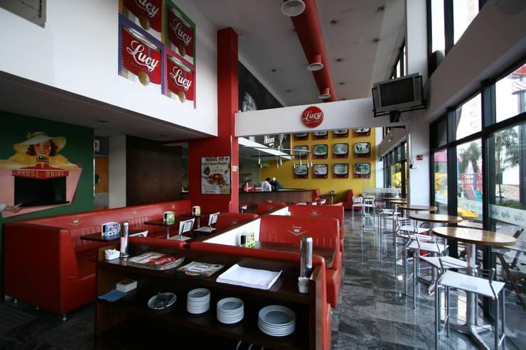 Salão: Espaços gastronômicos  por Habitat Arquitetos ,Moderno