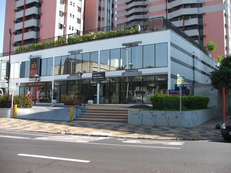 Edifício antigo - Antes do projeto: Espaços gastronômicos  por Habitat Arquitetos ,Moderno