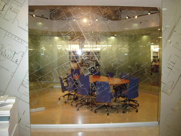 Prodemex : Estudios y oficinas de estilo  por DIN Interiorismo