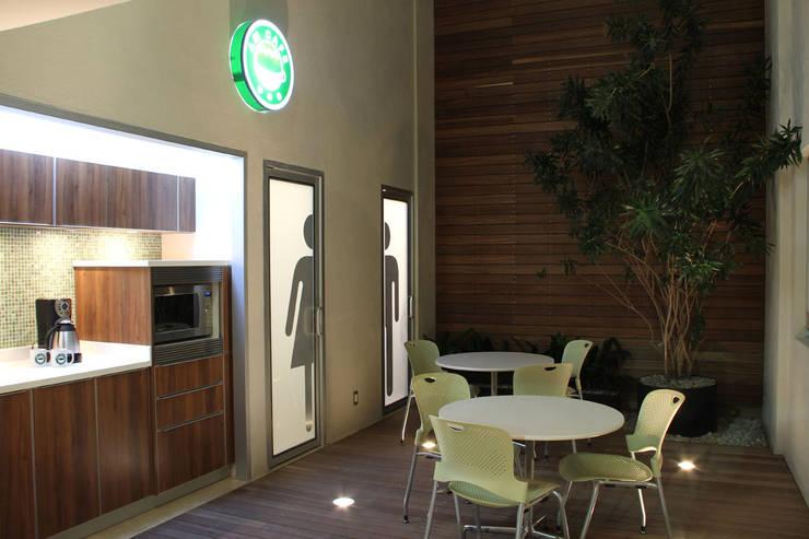 DIN Interiorismo :  tarz Yemek Odası,