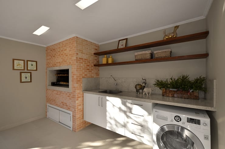 rustic Kitchen by Stefani Arquitetura