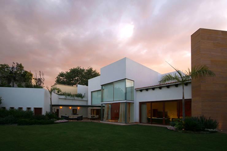 Terrazas de estilo  de DIN Interiorismo