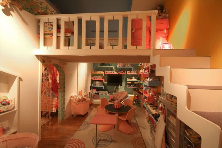 Salones de estilo  de DIN Interiorismo