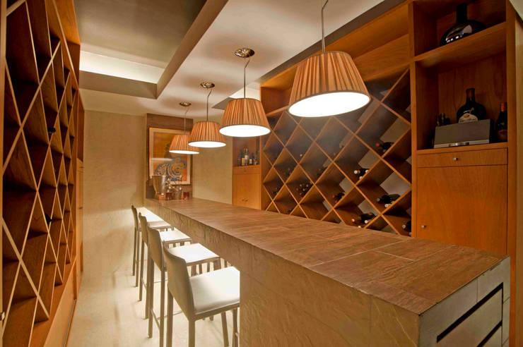 Casa Ulpi : Comedores de estilo  por DIN Interiorismo