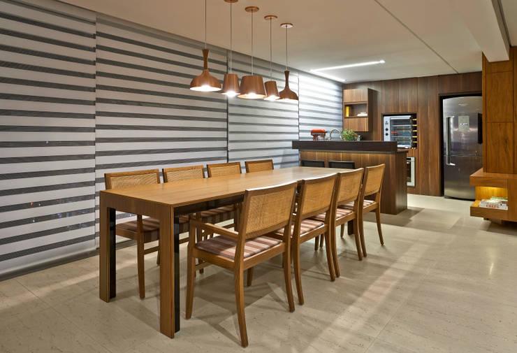 ESPAÇO GOURMET: Cozinhas modernas por Juliana Goulart Arquitetura e Design de Interiores