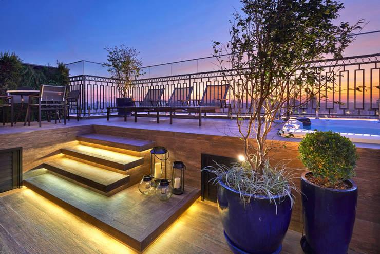 Spa de estilo moderno por Juliana Goulart Arquitetura e Design de Interiores