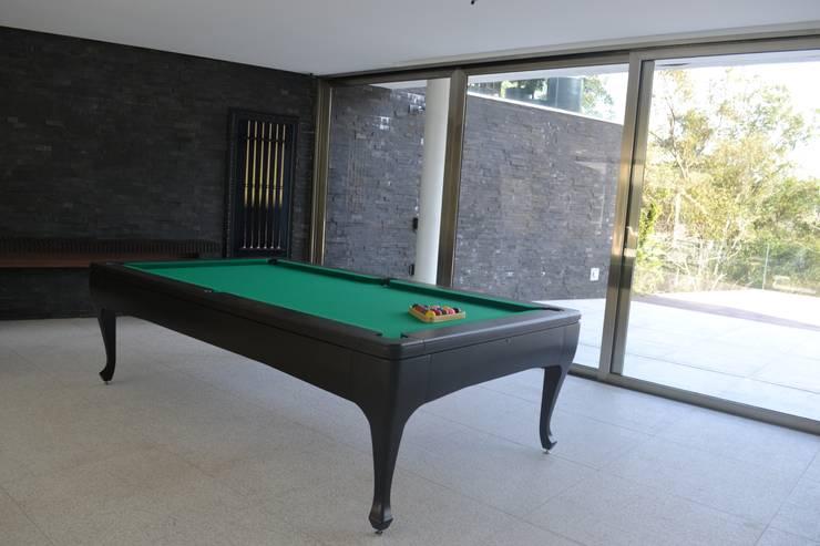 Terrace by Juliana Goulart Arquitetura e Design de Interiores, Modern