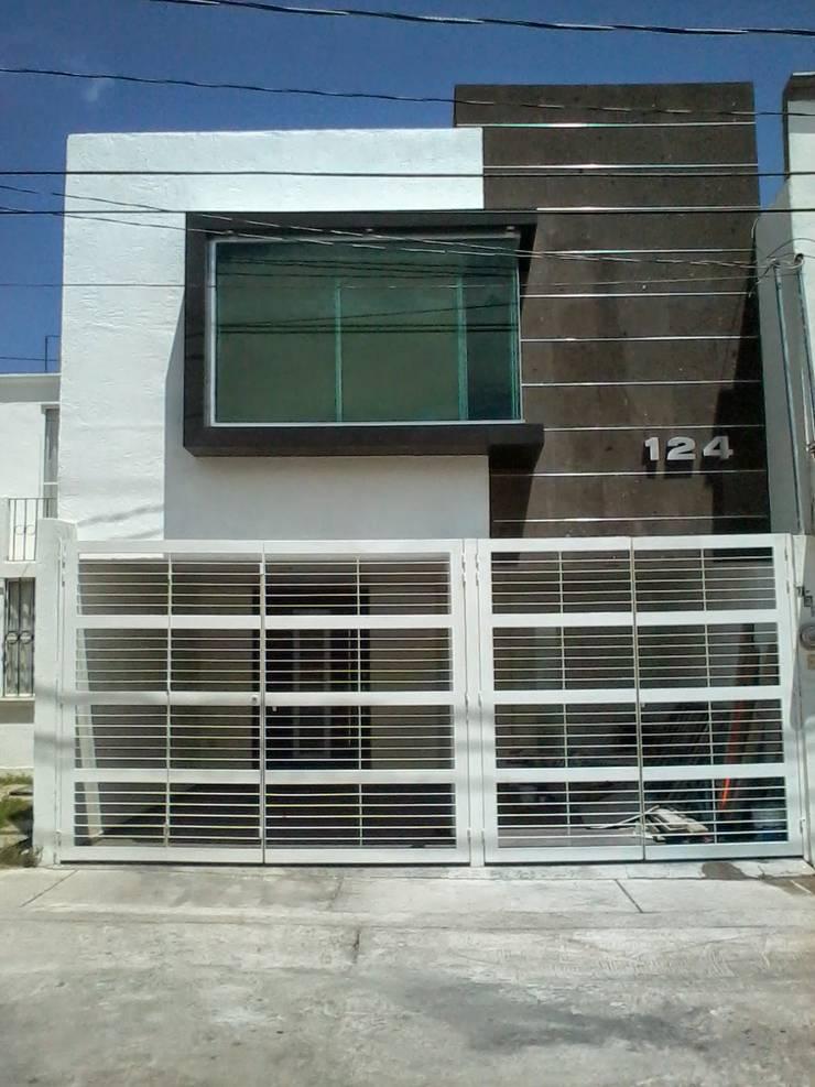 VARIAS OBRAS Casas minimalistas de A-labastrum arquitectos Minimalista Caliza