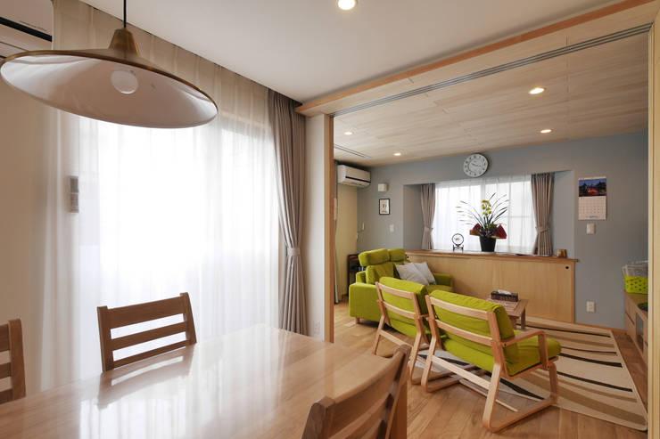 ダイニングとリビング: 池田デザイン室(一級建築士事務所)が手掛けたです。