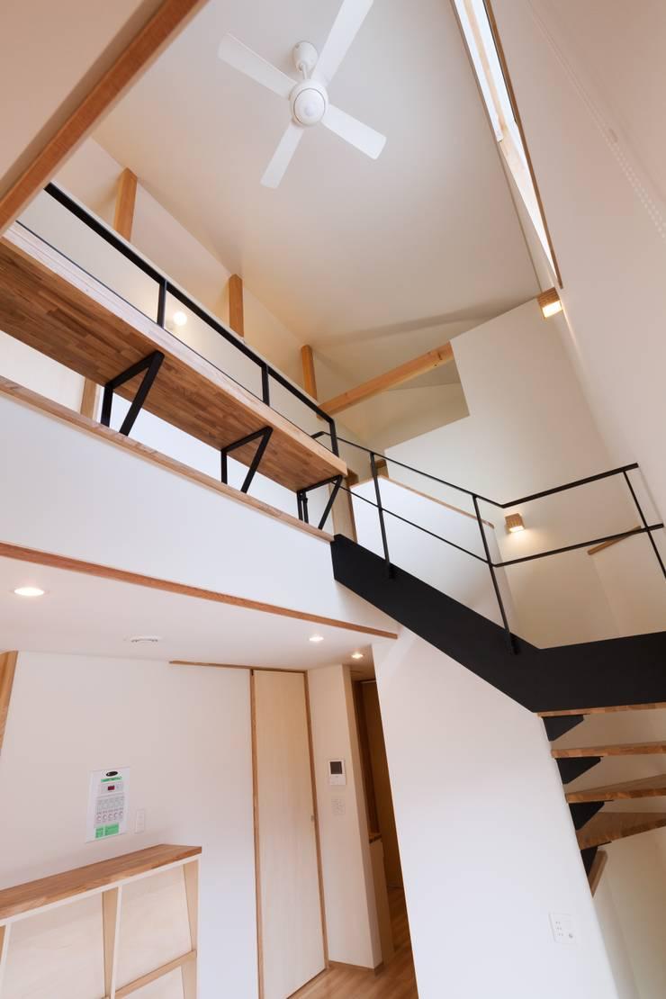 郡山・向作の家: 清建築設計室/SEI ARCHITECTが手掛けたリビングです。,