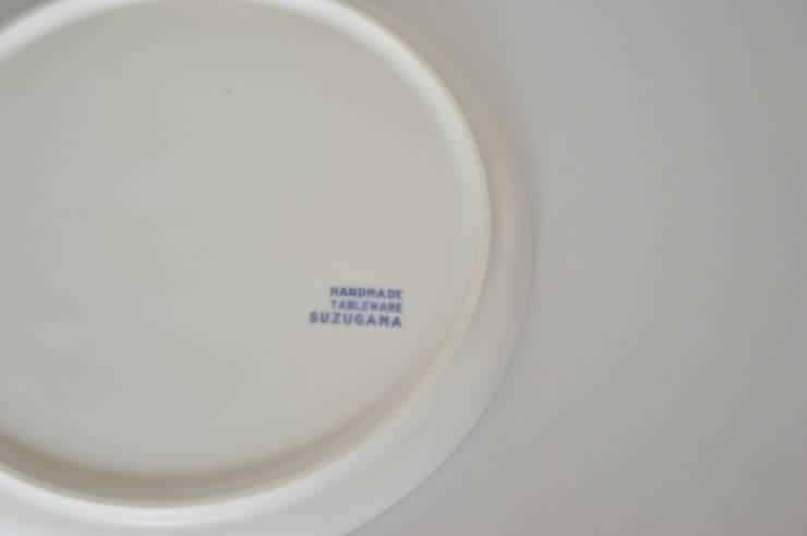 - Scoop plate – by white series: suzugamaが手掛けたキッチンです。,モダン