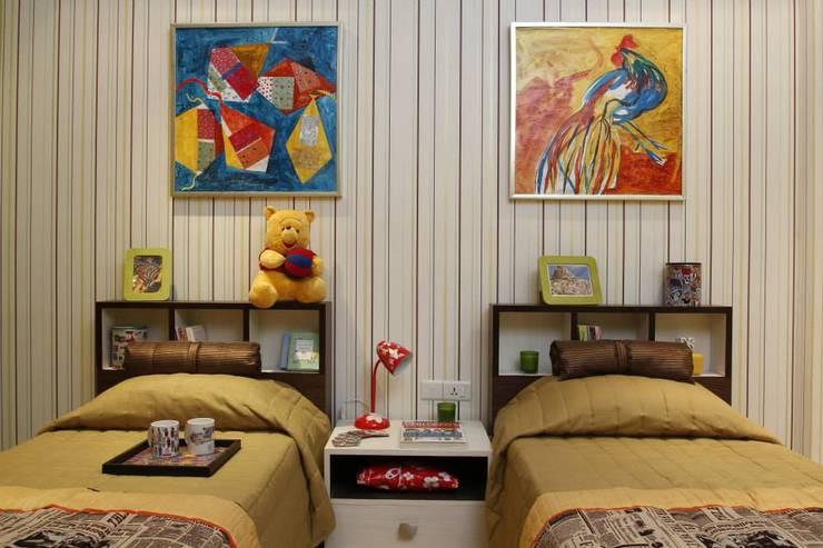 Kids Room 2: modern Nursery/kid's room by Tanish Design