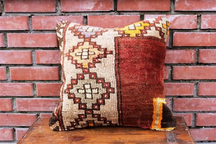 Heritage Nomadic Art Gallery – Vintage Rug Pillow :  tarz , Klasik Yün Turuncu