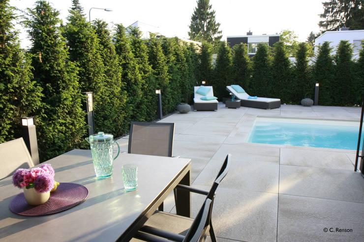 Entspannen am Pool:  Pool von dirlenbach - garten mit stil,Modern