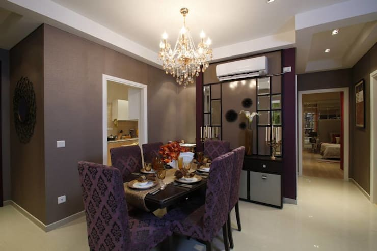 Dining Room.:  Dining room by Tanish Design