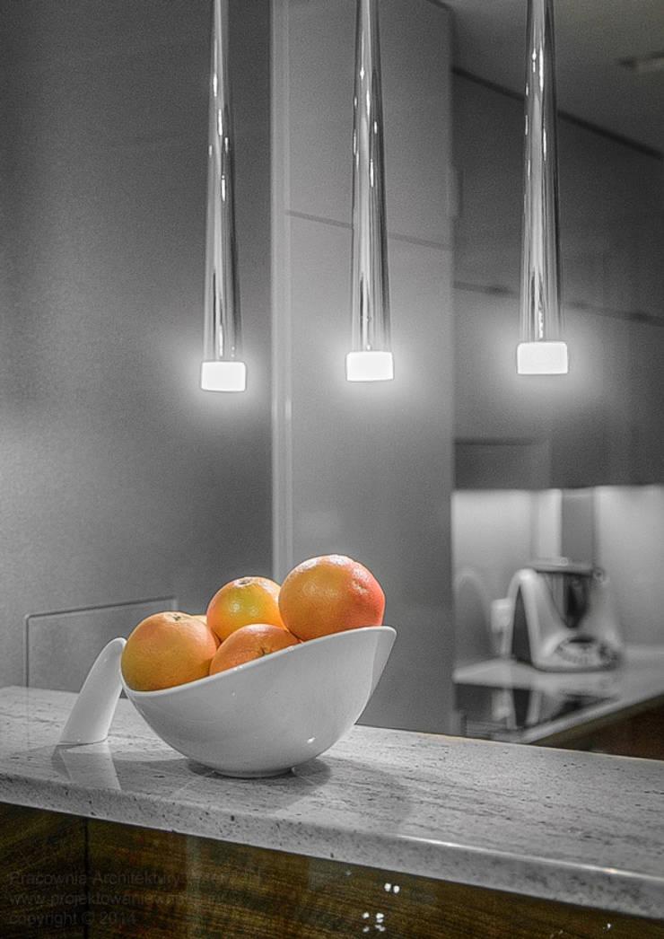 Błyszcząca kuchnia: styl , w kategorii Kuchnia zaprojektowany przez IN,Minimalistyczny Kamień