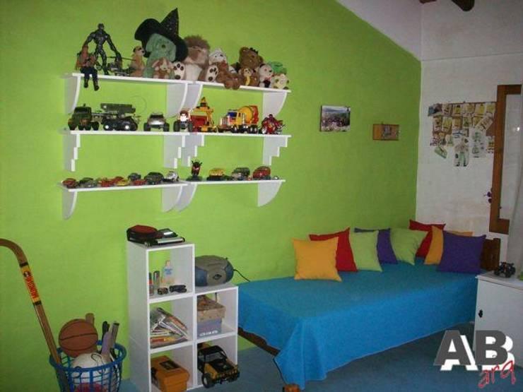 Interiores: Dormitorios infantiles de estilo  por Arq. Alejandra Bruno,