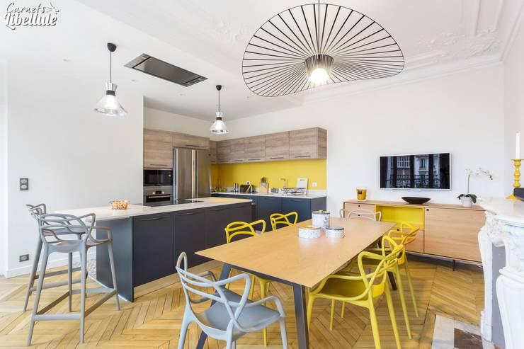 Cocinas de estilo moderno por Carnets Libellule
