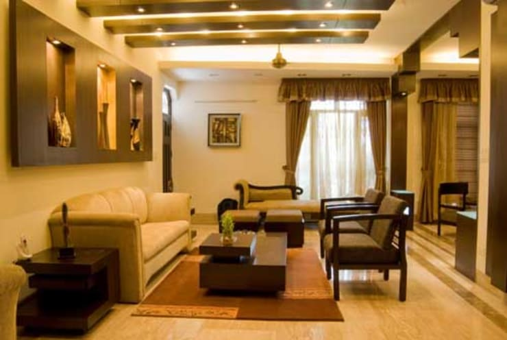 Interior Projects:  Living room by Architect Harish Tripathi & Associates