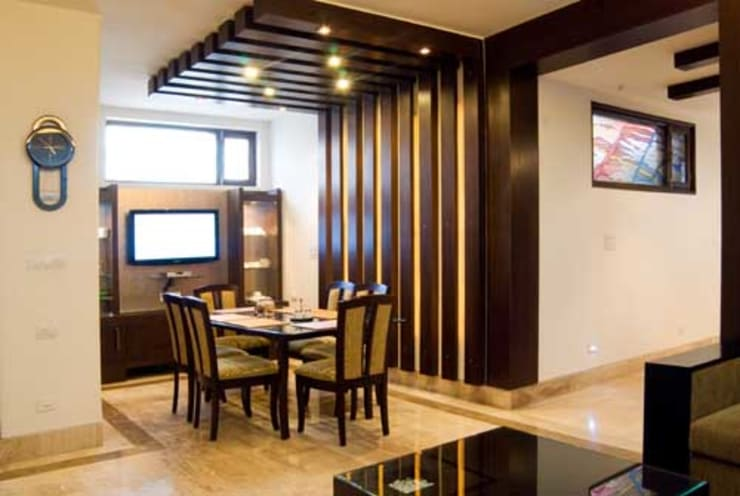 Interior Projects:  Dining room by Architect Harish Tripathi & Associates