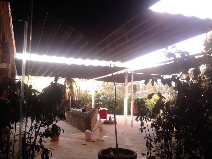 Sistemas de Palilleria ZEN desde la parte interior: Bares y discotecas de estilo  por HLA181026V73