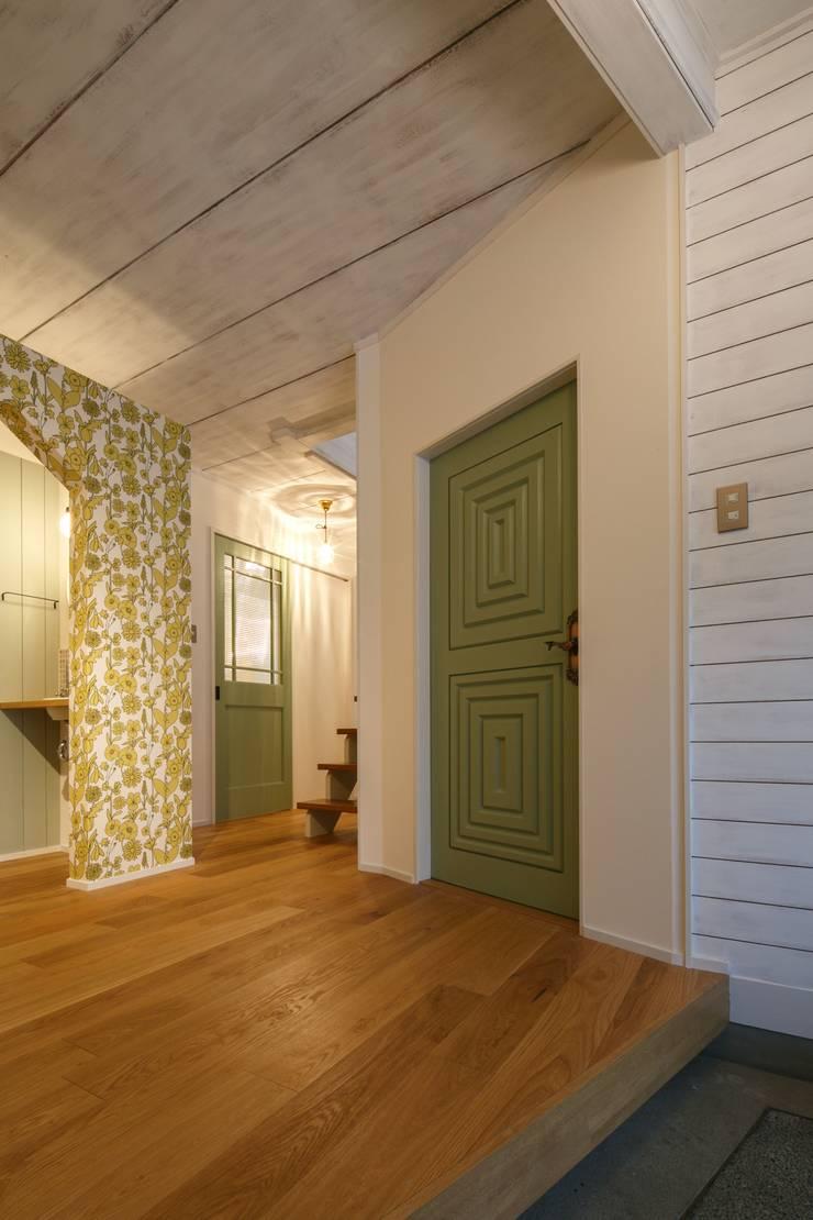 S's house: dwarfが手掛けた廊下 & 玄関です。,