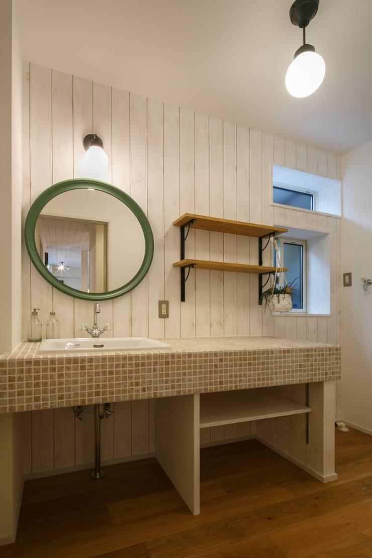 S's house: dwarfが手掛けた浴室です。,