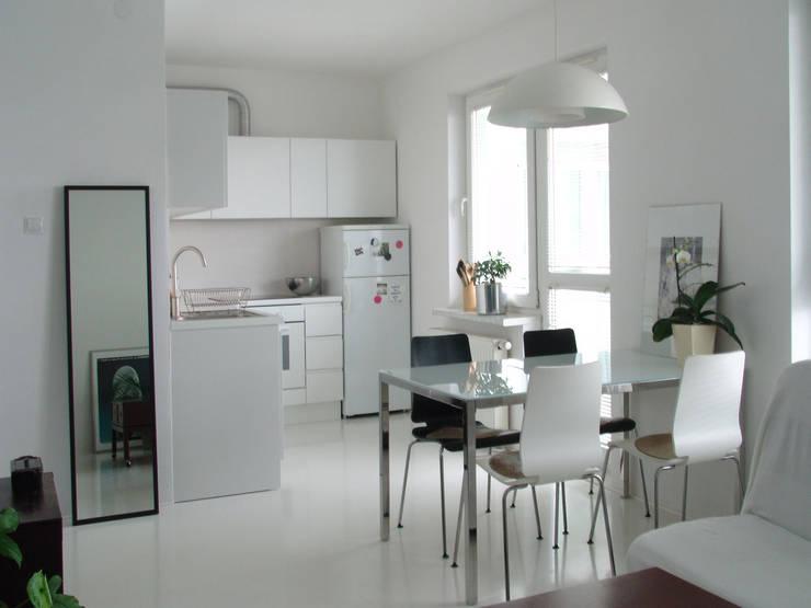 SIERPIŃSKIEGO: styl , w kategorii Jadalnia zaprojektowany przez Małgorzata Gilarska Architekt