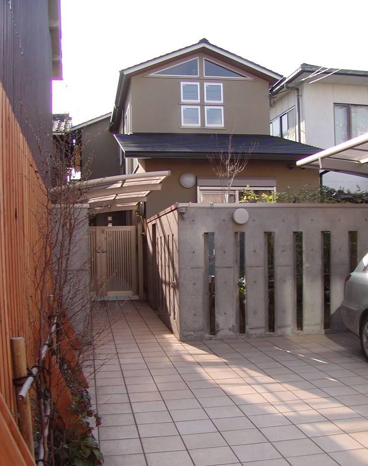 外観: 竹内村上ATELIERが手掛けた家です。
