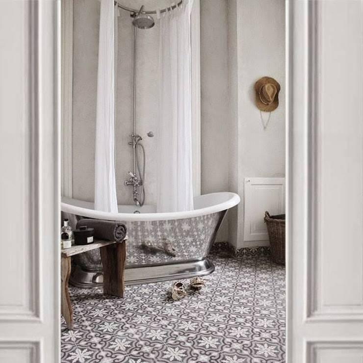 Casas de banho clássicas por Mosaic del Sur