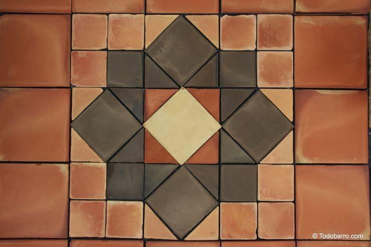 Pavimento cerámico de barro Salomón (16): Paredes y suelos de estilo clásico de Todobarro