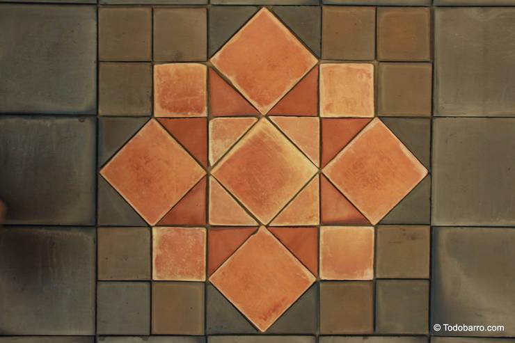 Pavimento cerámico de barro Salomón (06): Paredes y suelos de estilo  de Todobarro