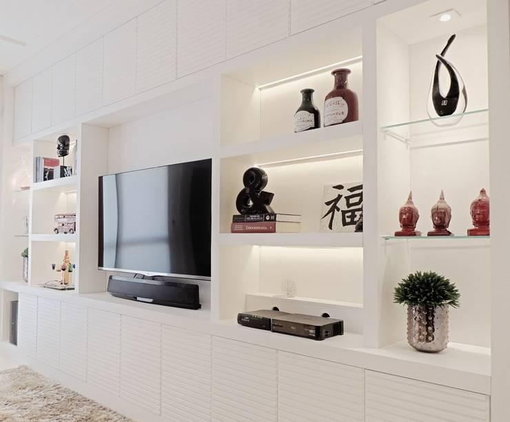 Apartamento Chácara Inglesa - São Paulo - SP: Salas de estar  por Studio LK Arquitetura e Interiores