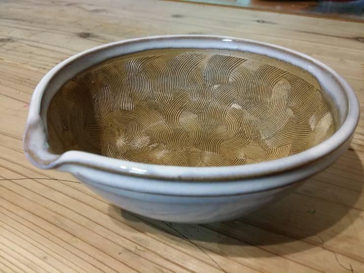 すり鉢 白: 圭秀窯が手掛けたキッチンです。