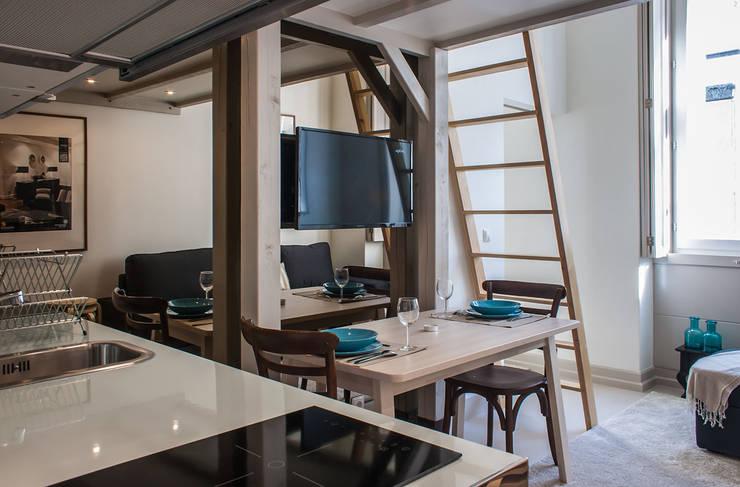 Sala da pranzo in stile  di Architecture Tote Ser
