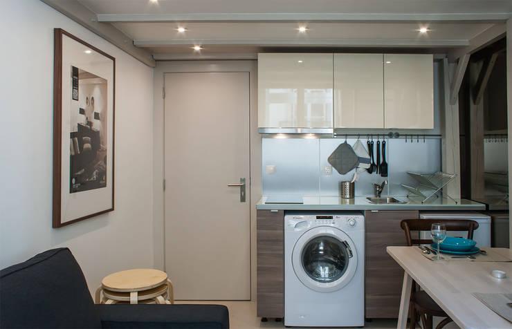 Entry/Kitchen: Salas de jantar  por Architecture Tote Ser