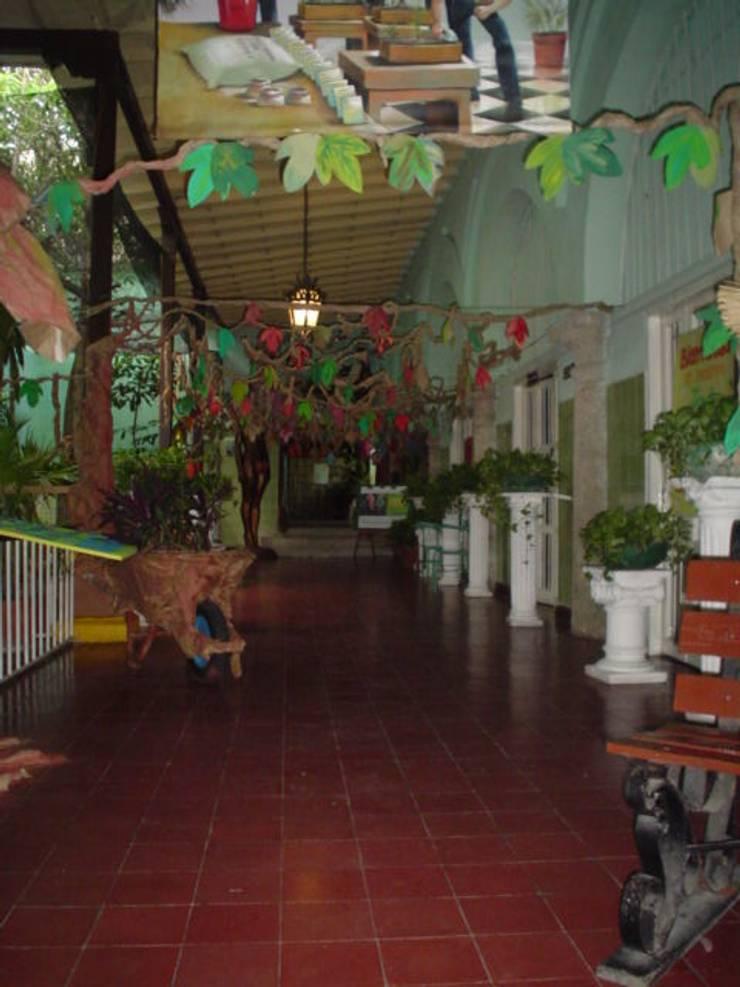 Casa del Virrey Eslava:  de estilo  por Jaime Correa Vélez Arquitectos