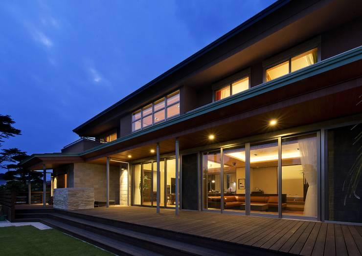 Дома в . Автор – 有限会社 光設計