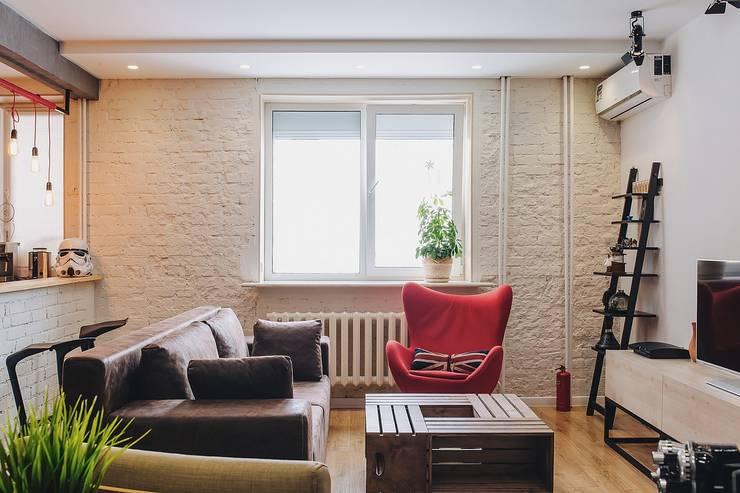 Living room by Студия Антона Сухарева 'SUKHAREVDESIGN'