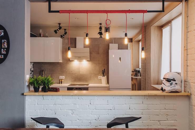 Kitchen by Студия Антона Сухарева 'SUKHAREVDESIGN'