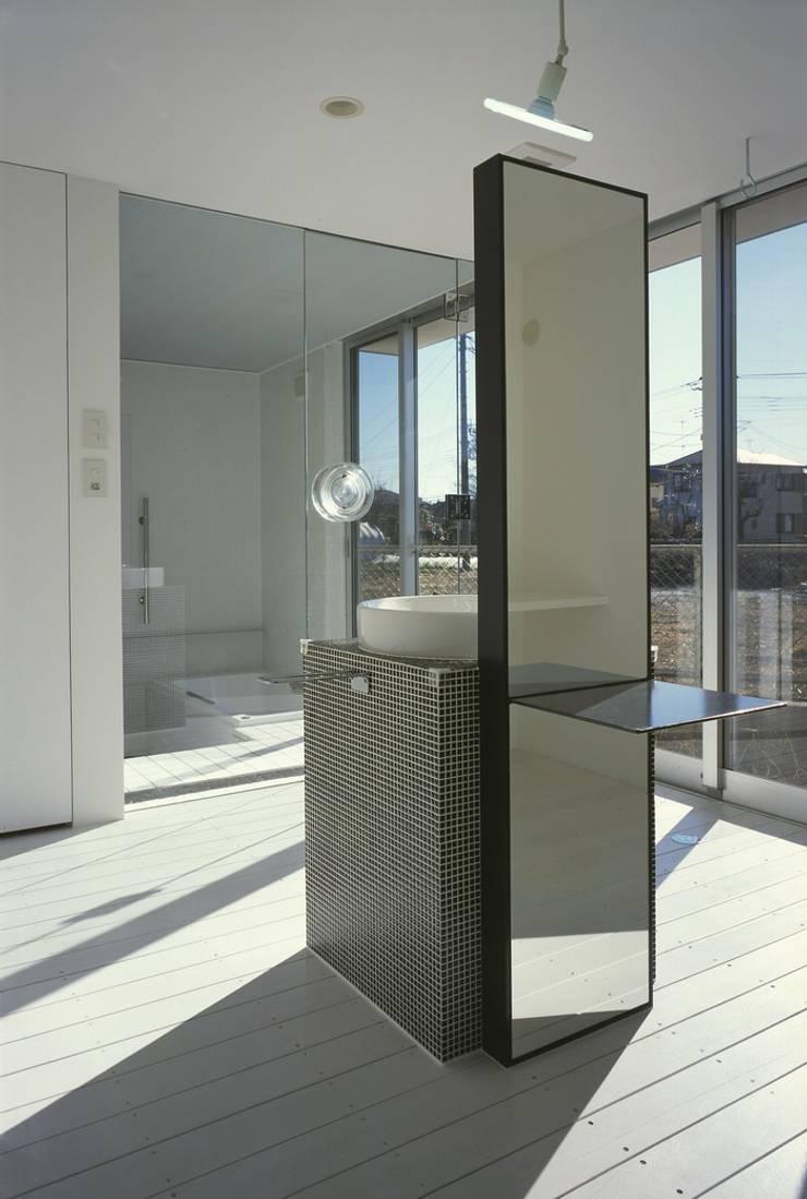 アルフラー邸: ジャムズが手掛けた浴室です。,
