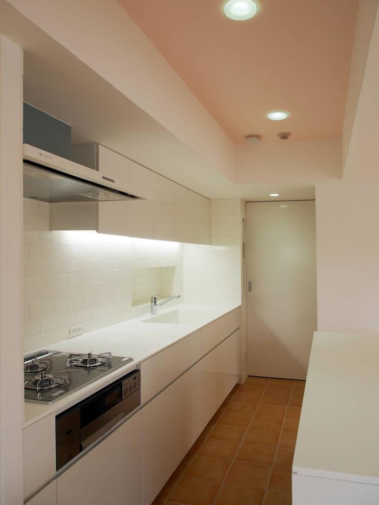 南青山マンションリノベーション: アトリエハコ建築設計事務所/atelier HAKO architectsが手掛けたです。