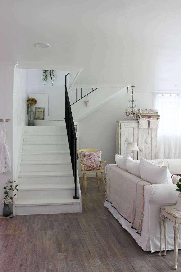주택 self interior : 쏘나 의  복도 & 현관,